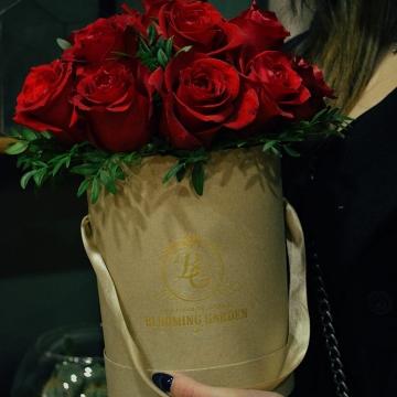 Композиция №001 розы в коробке
