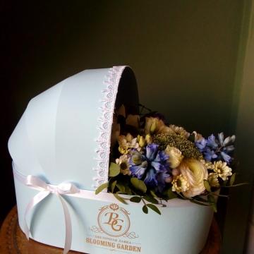 Композиция №003 цветы в коробке-люльке
