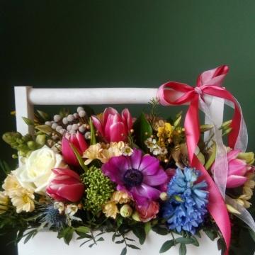 Композиция №102 цветы в деревянном ящичке