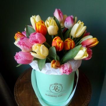 Композиция №005 тюльпаны в коробке