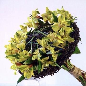 Букет цветов №403 на каркасе