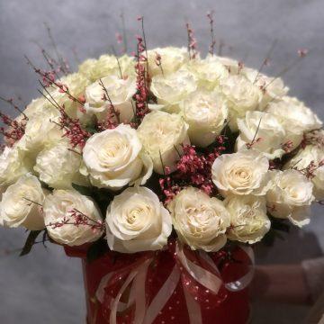 Композиция №012 розы в коробке