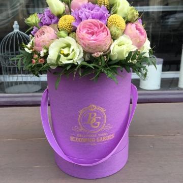Композиция №010 цветы в коробке