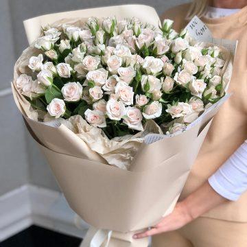 Букет №008 из кустовых роз
