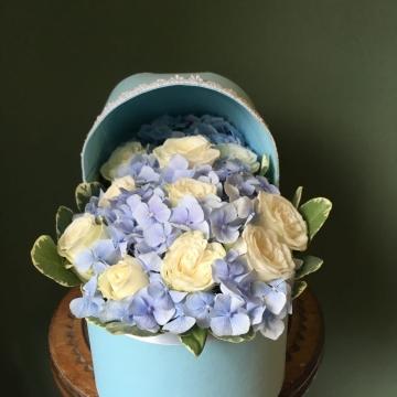 Композиция №014 цветы в люльке