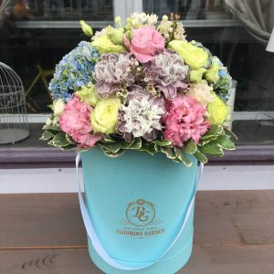 Композиция №022 цветы в коробке