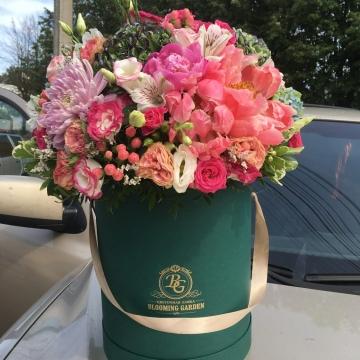 Композиция №024 цветы в коробке