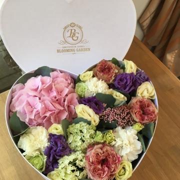 Композиция №028 цветы в коробке