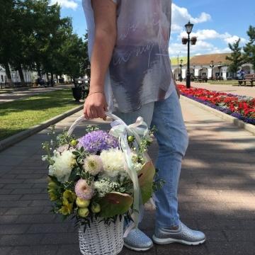 Композиция №201 цветы в корзине