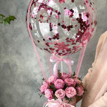 Композиция №038 розы в коробке с шаром