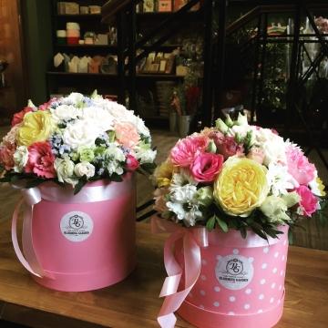 Композиция №035 цветы в коробке