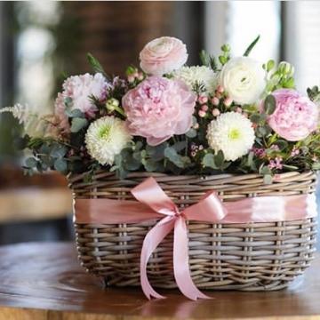 Композиция №203 цветы в корзине