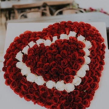 Композиция №042 розы в коробке-сердце