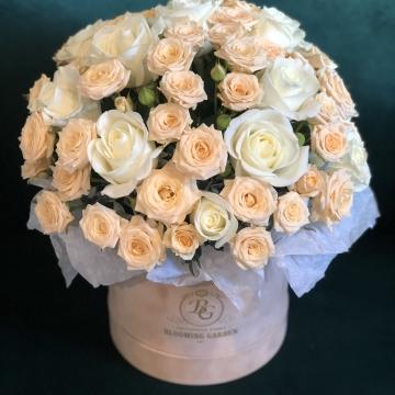 Композиция №043 розы в коробке