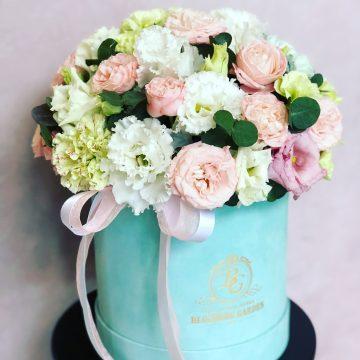 Композиция №047 цветы в коробке