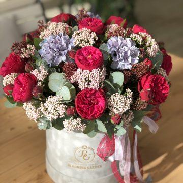 Цветы в коробке - композиция №051